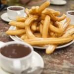 Chichis au chocolat, dessert espagnol typique