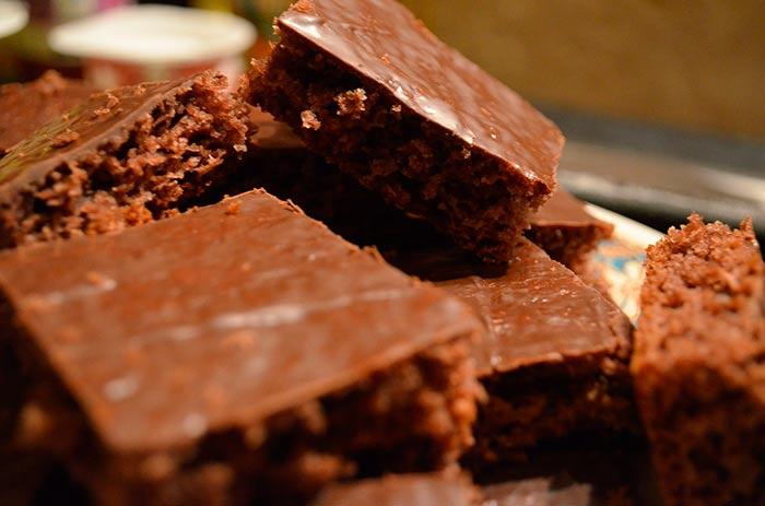 gateau au chocolat facile avec glaçage au chocolat
