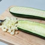 préparation de courgettes farcies au four (recette de cuisine)