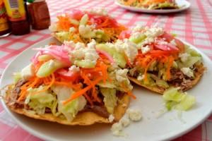 tostadas, plat typique de la cuisine mexicain
