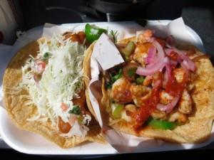 tacos gobernador ou tacos de crevettes, plat typique de la cuisine mexicaine du nord