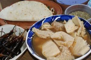 Menudo, plat typique de cuisine mexicaine, à base d'estomac de boeuf