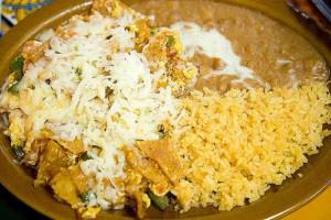 chilaquiles, plat de cuisine mexicaine typique