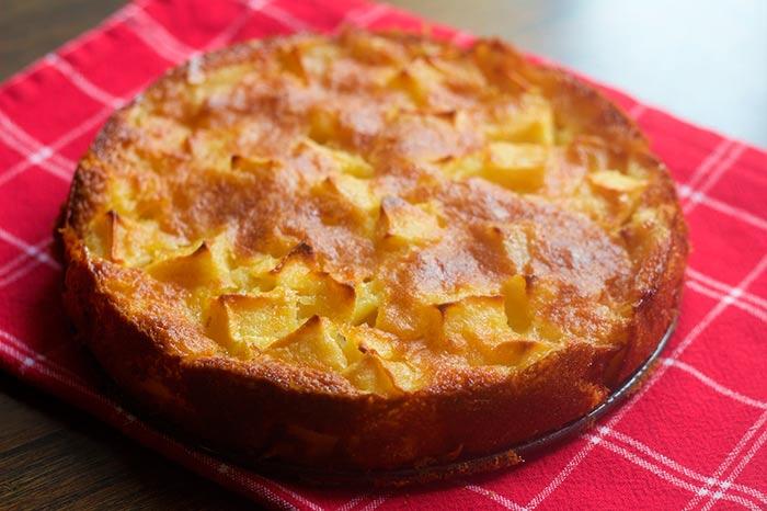 recette de gateau aux pommes de grand-mère : un gâteau tout simple moelleux