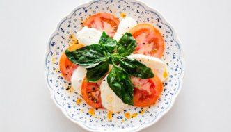 salade tomate mozzarella caprese, recette de cuisine facile