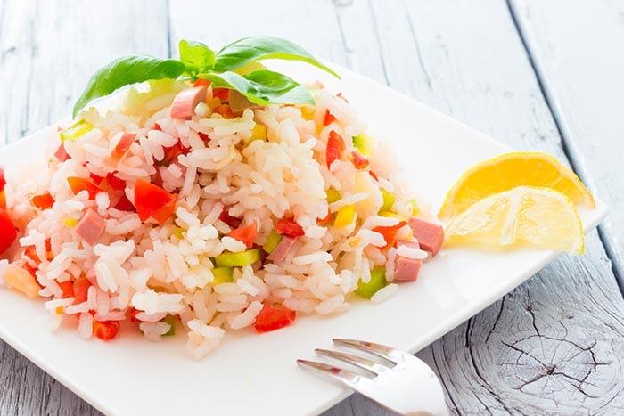 salade de riz healthy et équilibrée : recette de cuisine facile