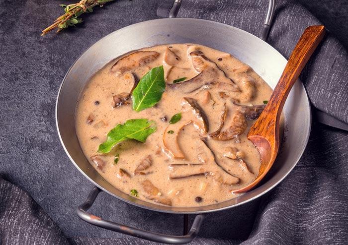 sauce aux champignons maison : recette de cuisine facile