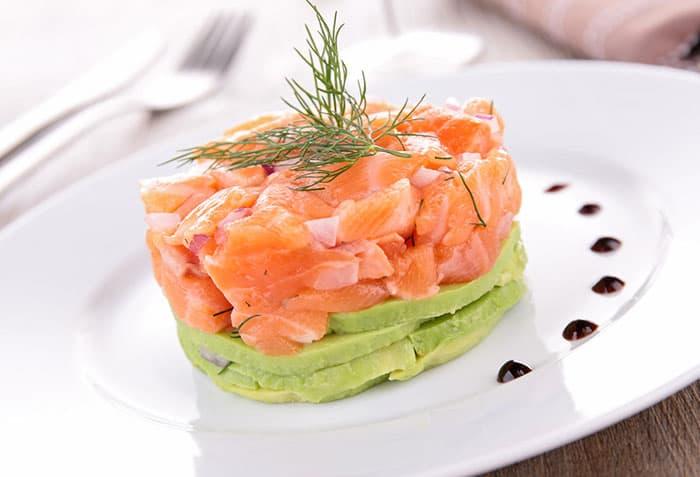 recette de tartare de saumon à l'avocat