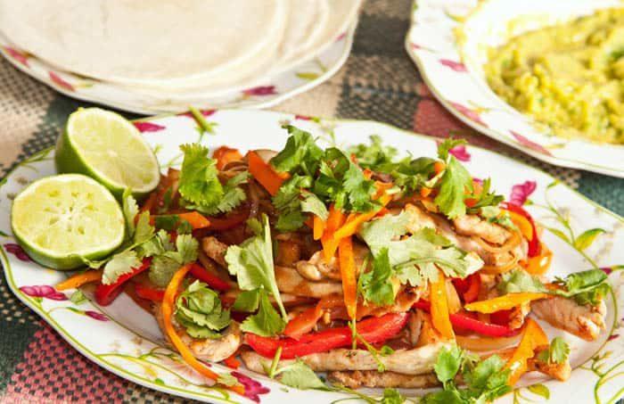 recette de fajitas au poulet mexicaines, faciles et rapides