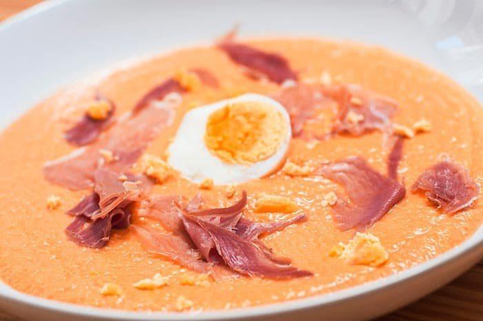 Soupe espagnole froide : salmorejo andalou, une recette de cuisine facile