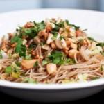 nouilles chinoises aux légumes : recette de cuisine facile